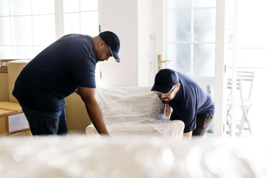 Dallas Texas Movers relocating furniture